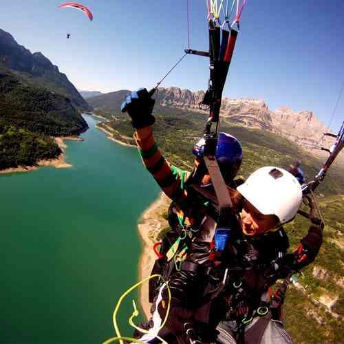 Despedidas Vitoria te acerca al cielo para tocar las nubes, volar en parapente en Vitoria-Gasteiz Alava